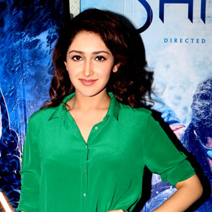 sayesha saigal hot